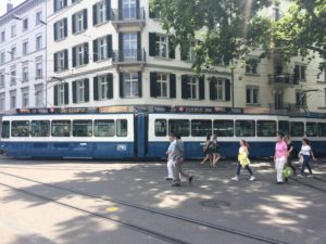 Take the Tram 11 from Stadelhofen to Hedwigsteig.